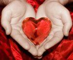 Сердце в руках рисунок карандашом – Как нарисовать сердце в руках карандашом, красками поэтапно?